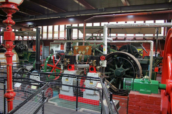 Sub-image_Industrial-museum_steam